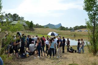 Photo de tournage prise à Saint-Martin de Tréviers (Hérault). © Languedoc-Roussillon-Cinéma