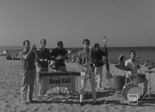 René Coll et son orchestre, diffusion le 16 juillet 1964. © INA