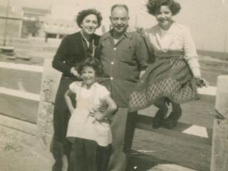 Photo de la famille de la réalisatrice, disparue en 1962
